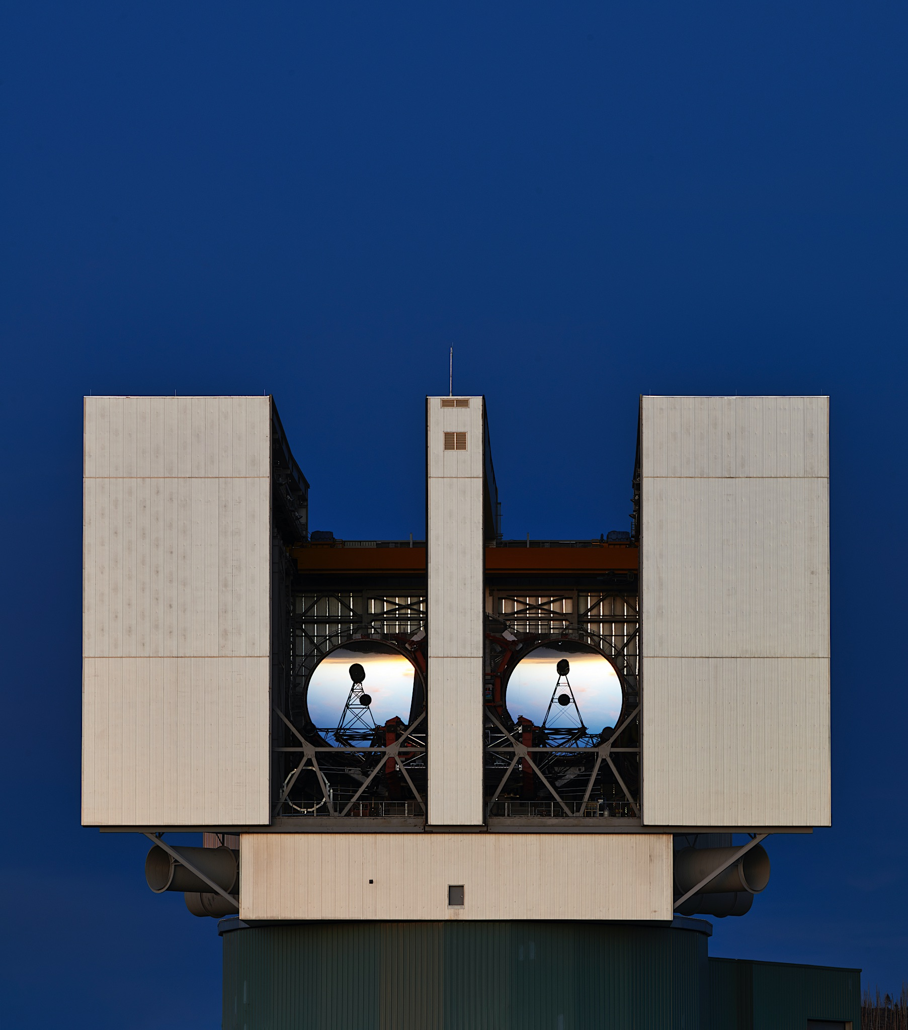 <p>LBT Telescope located at the Mount Graham Observatory at an elevation of 3,221 meters in Arizona</p>
